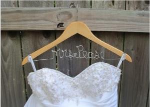 wedding, wedding name hanger, hanger, diy, wedding dress