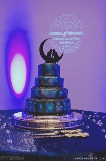 wedding cake - uplighting - gobo