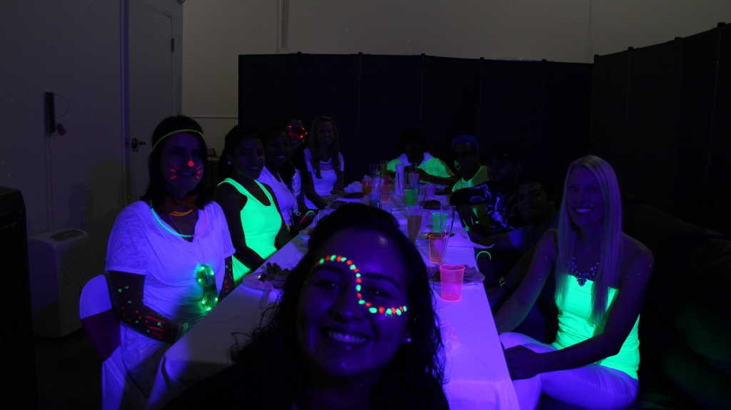 glowparty_table3